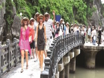 Vietnam Tourism Revenue Expected to Surpass Oil Exports